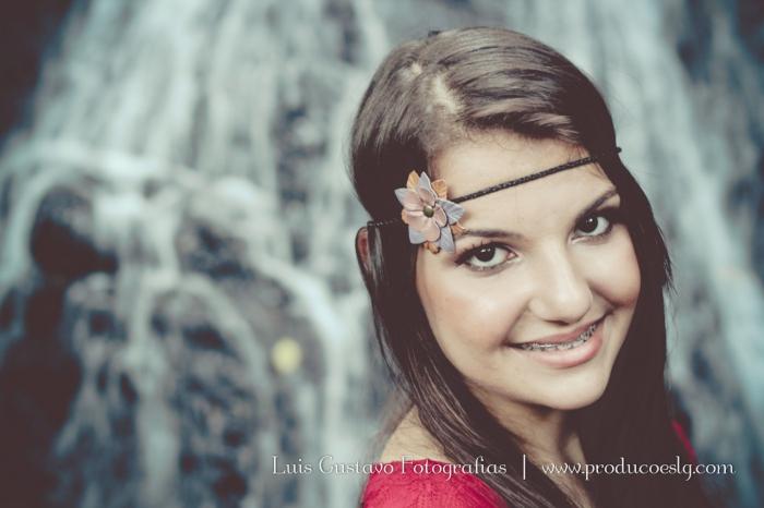0911_Yasmin_BookExterno-25